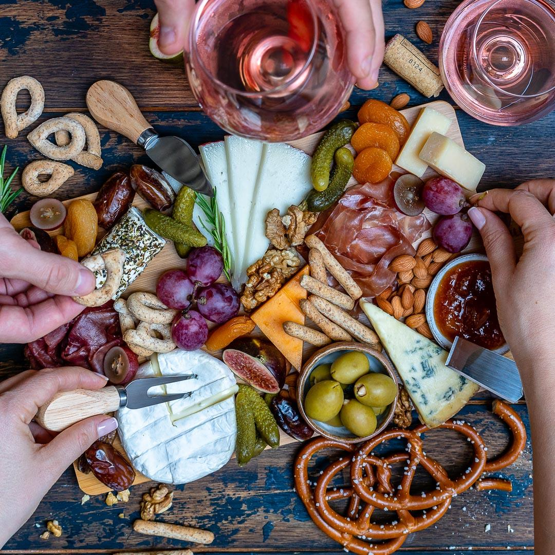 Best Charcuterie And Cheese Platter For The Holidays