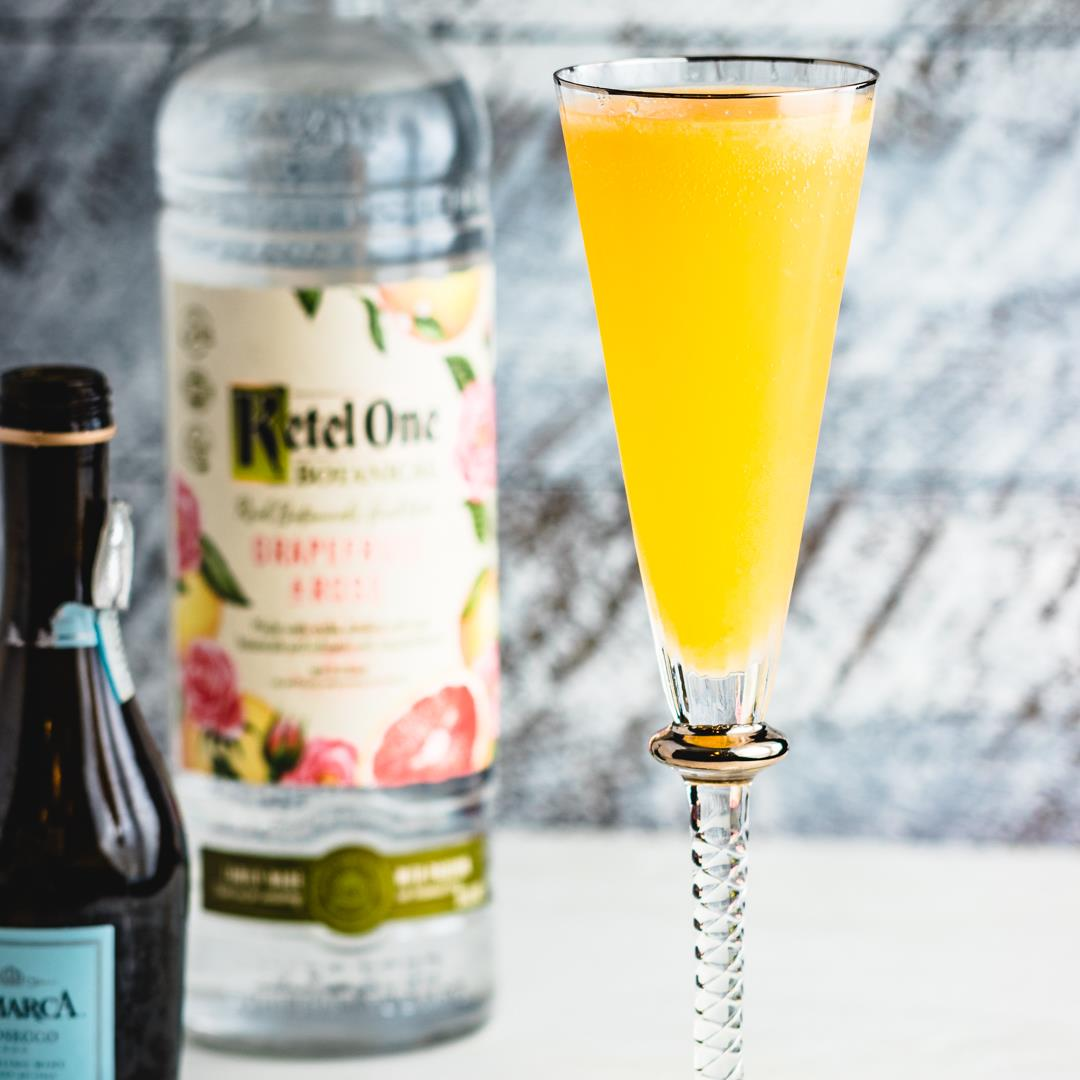 Classic Bellini With Grapefruit Rose