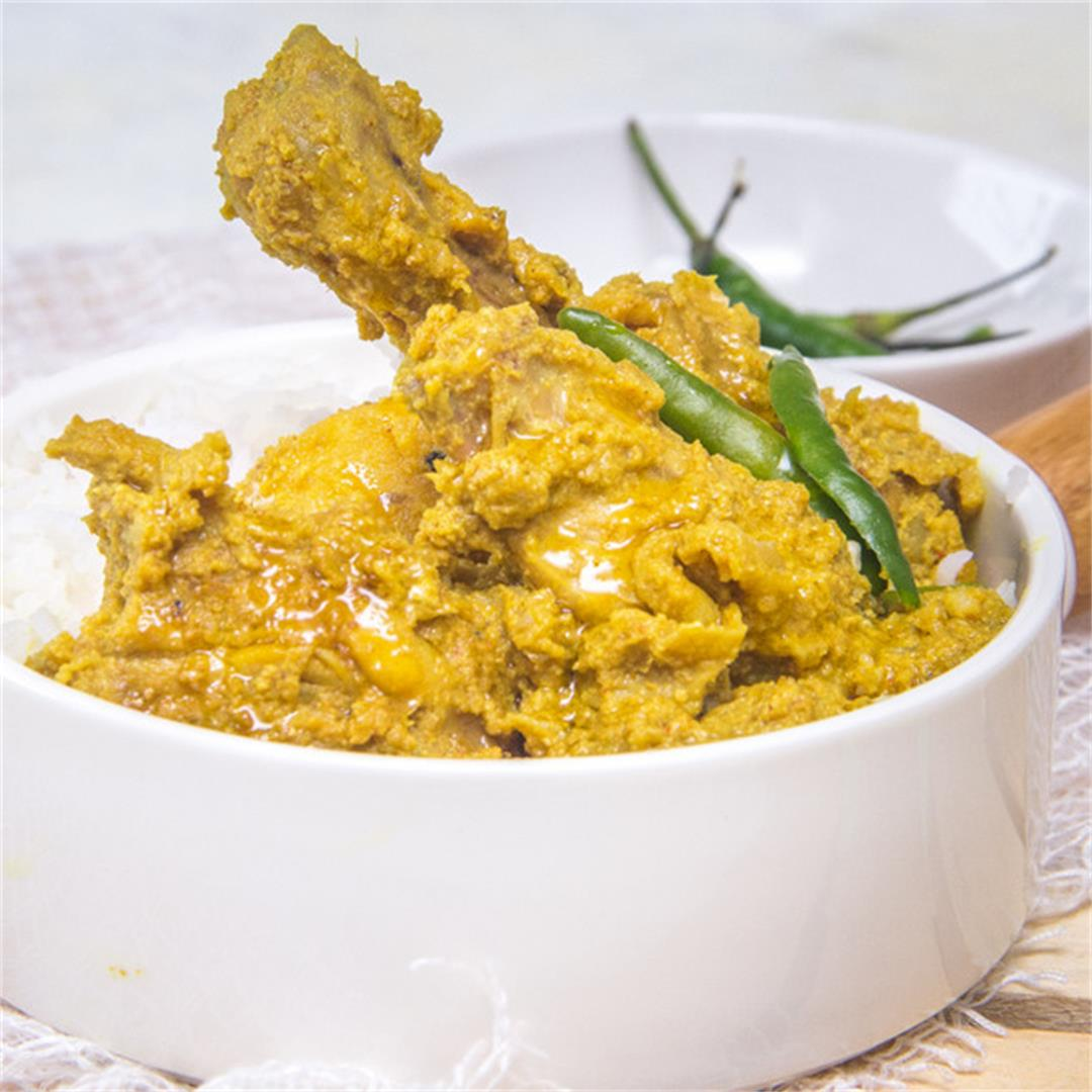bengali Style Chicken and Poppy Seed curry