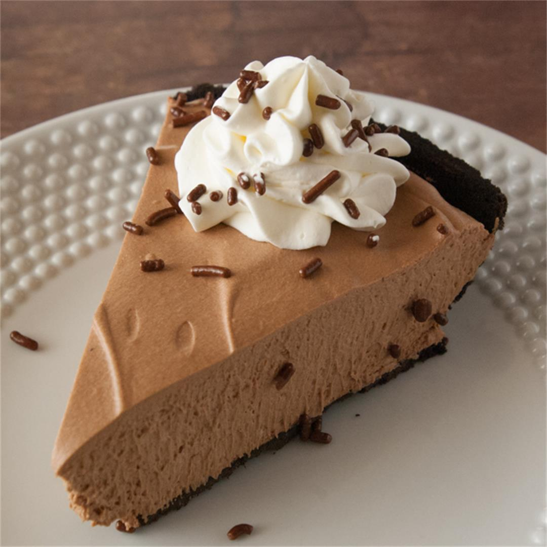 Irresistible Chocolate Mousse Pie