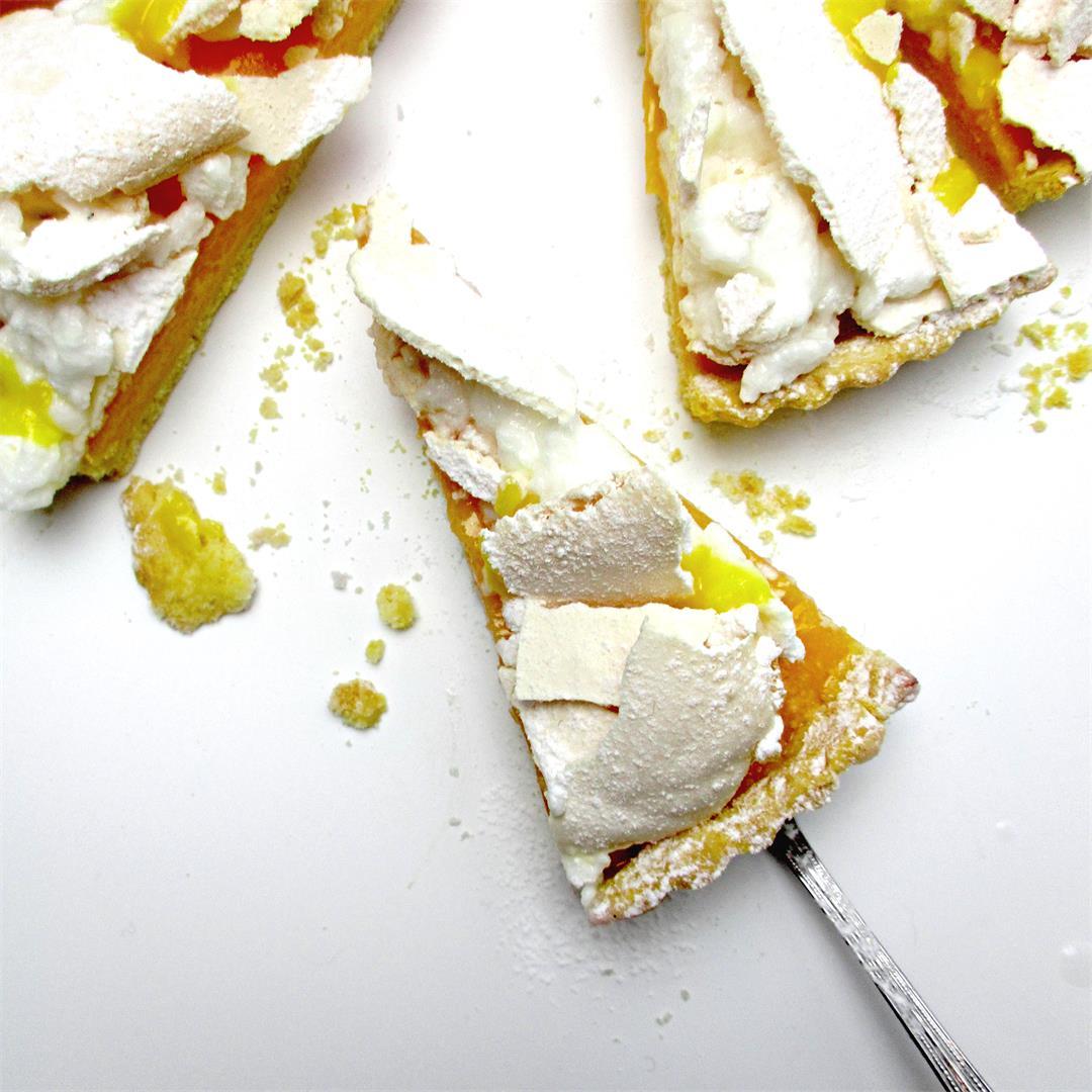 Lemon Pavlova Pie