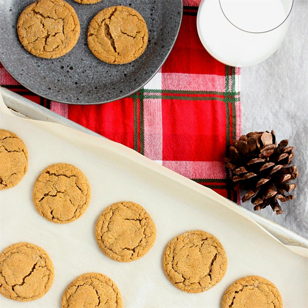 Holiday Favourite Ginger Snap Cookies