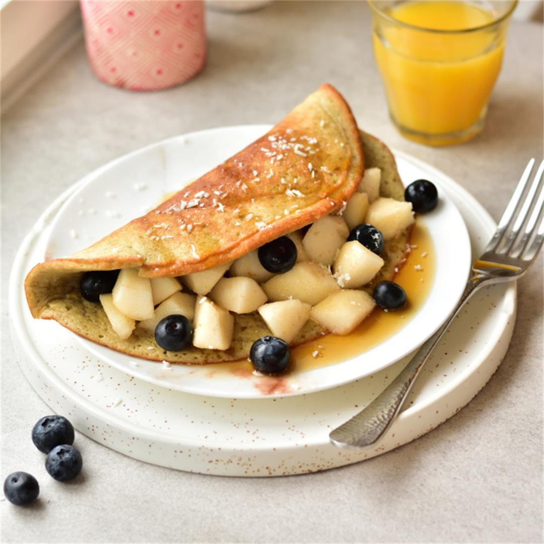 Fluffy banana oat omelette – 3-ingredient, super easy breakfast