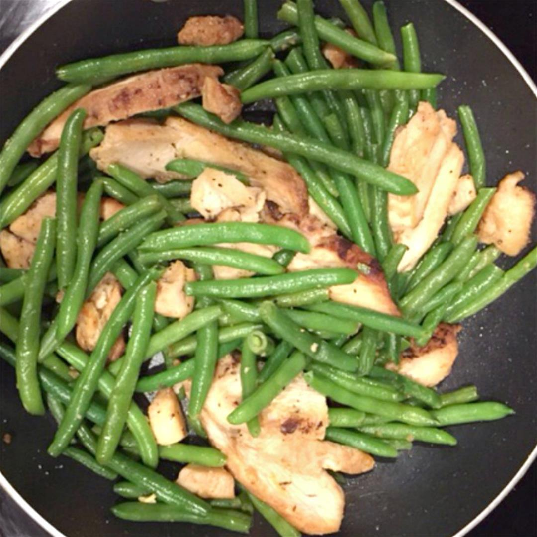 10 Minute Chicken & String Bean Stir-Fry