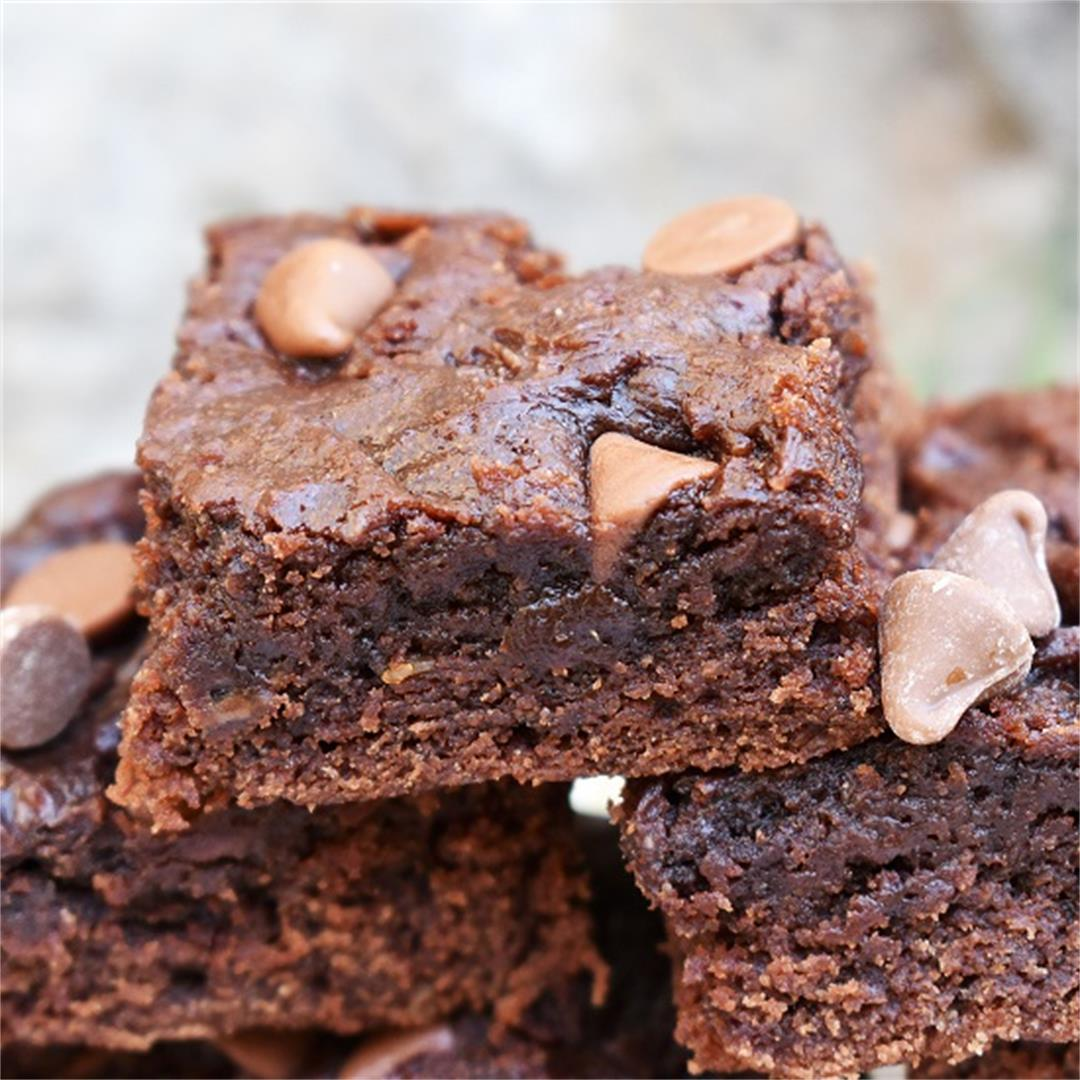 Healthy Peanut Butter Chocolate Brownies