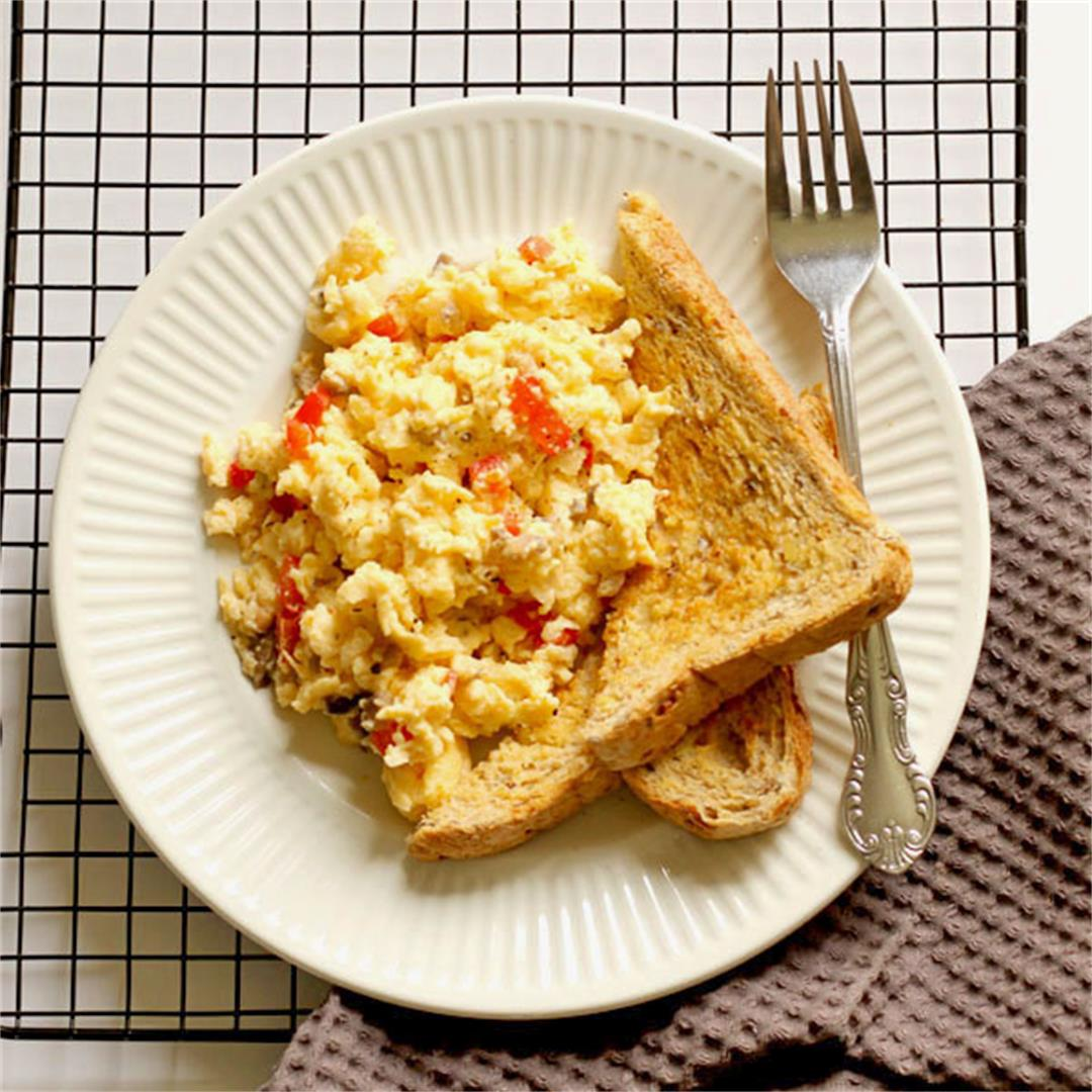 Pizza Style Scrambled Eggs