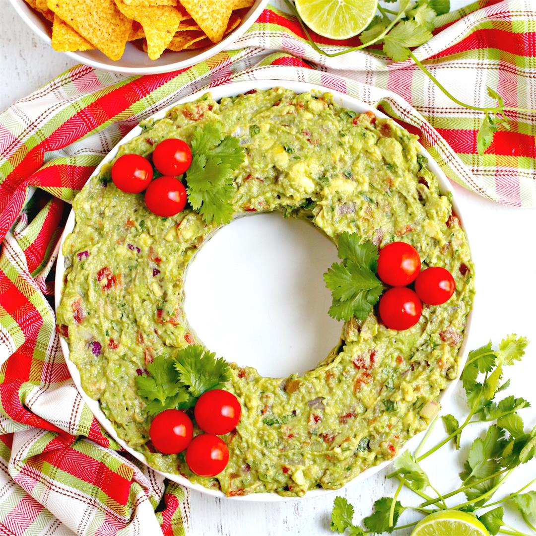 Guacamole Christmas Wreath Appetizer
