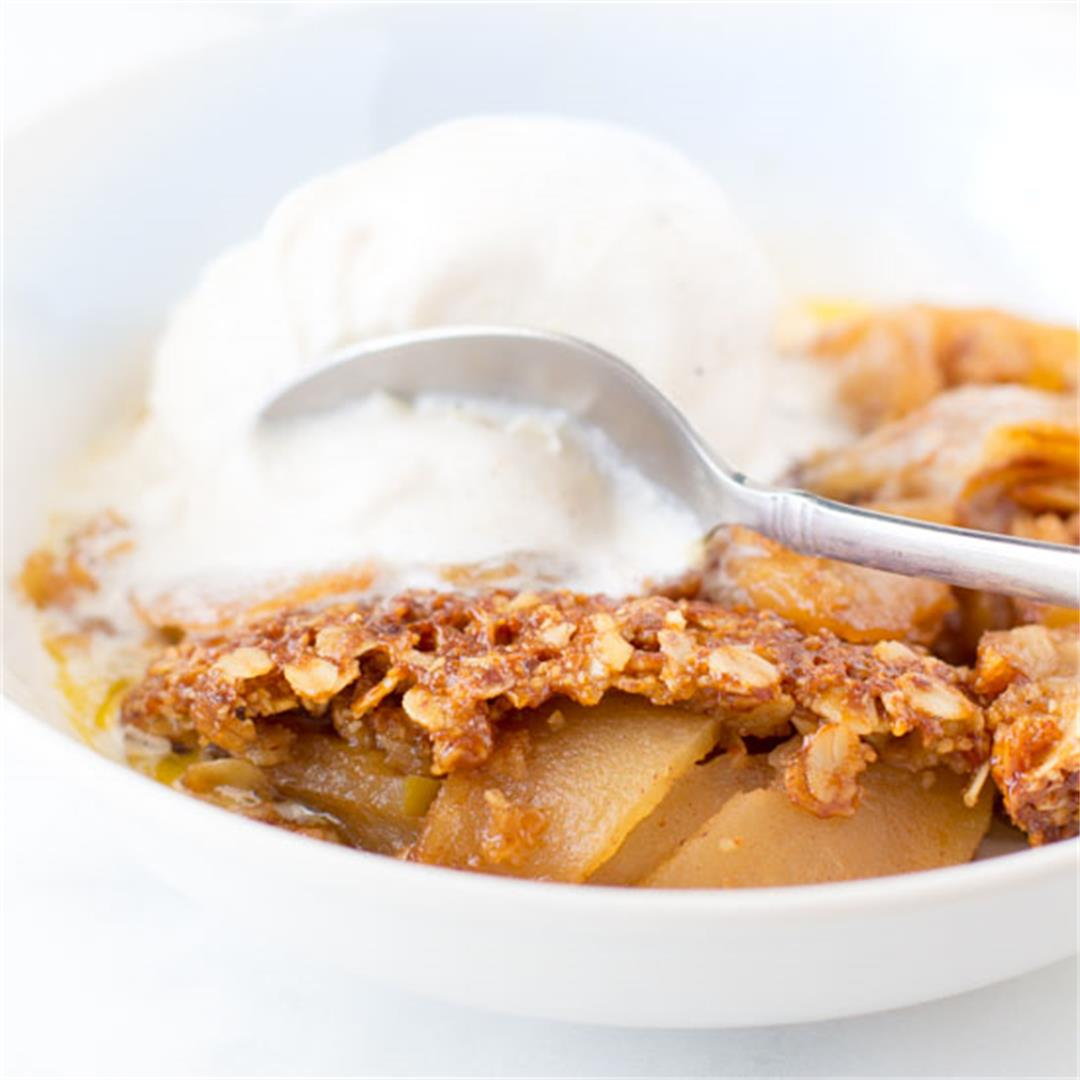 Gluten Free Apple Crisp with Oatmeal Topping
