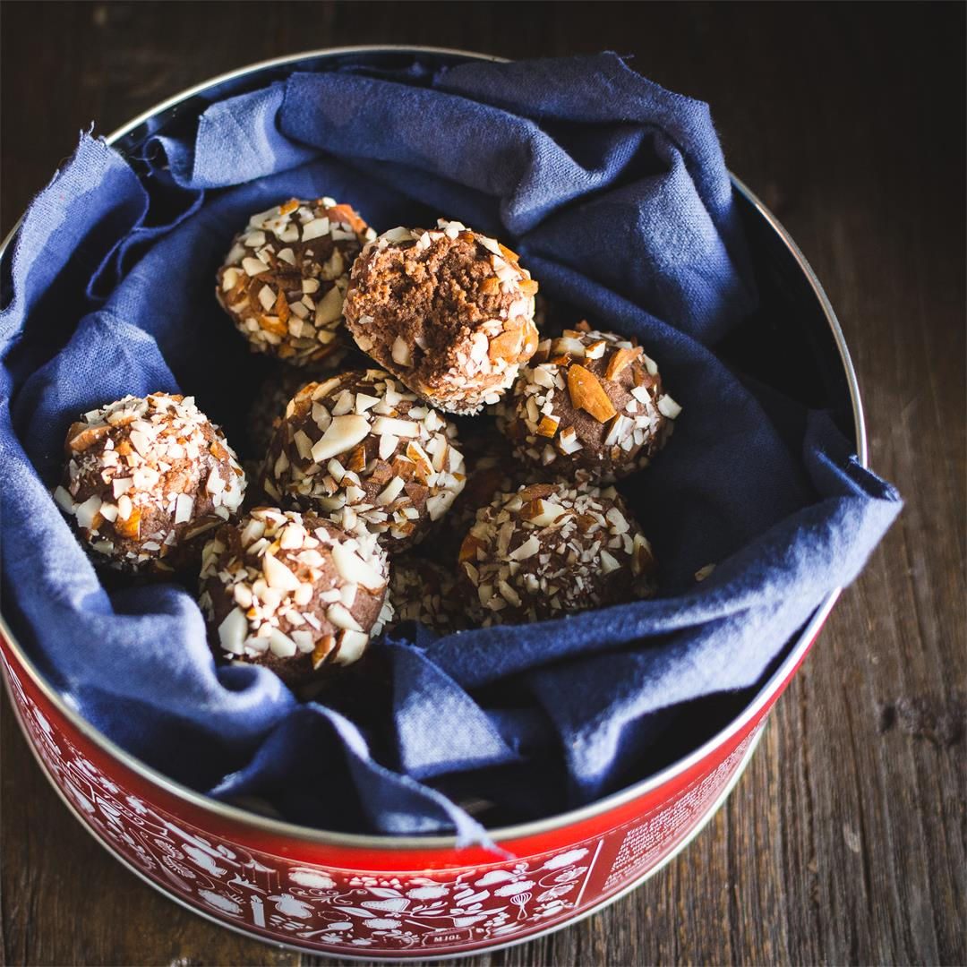Almond amaretto bites