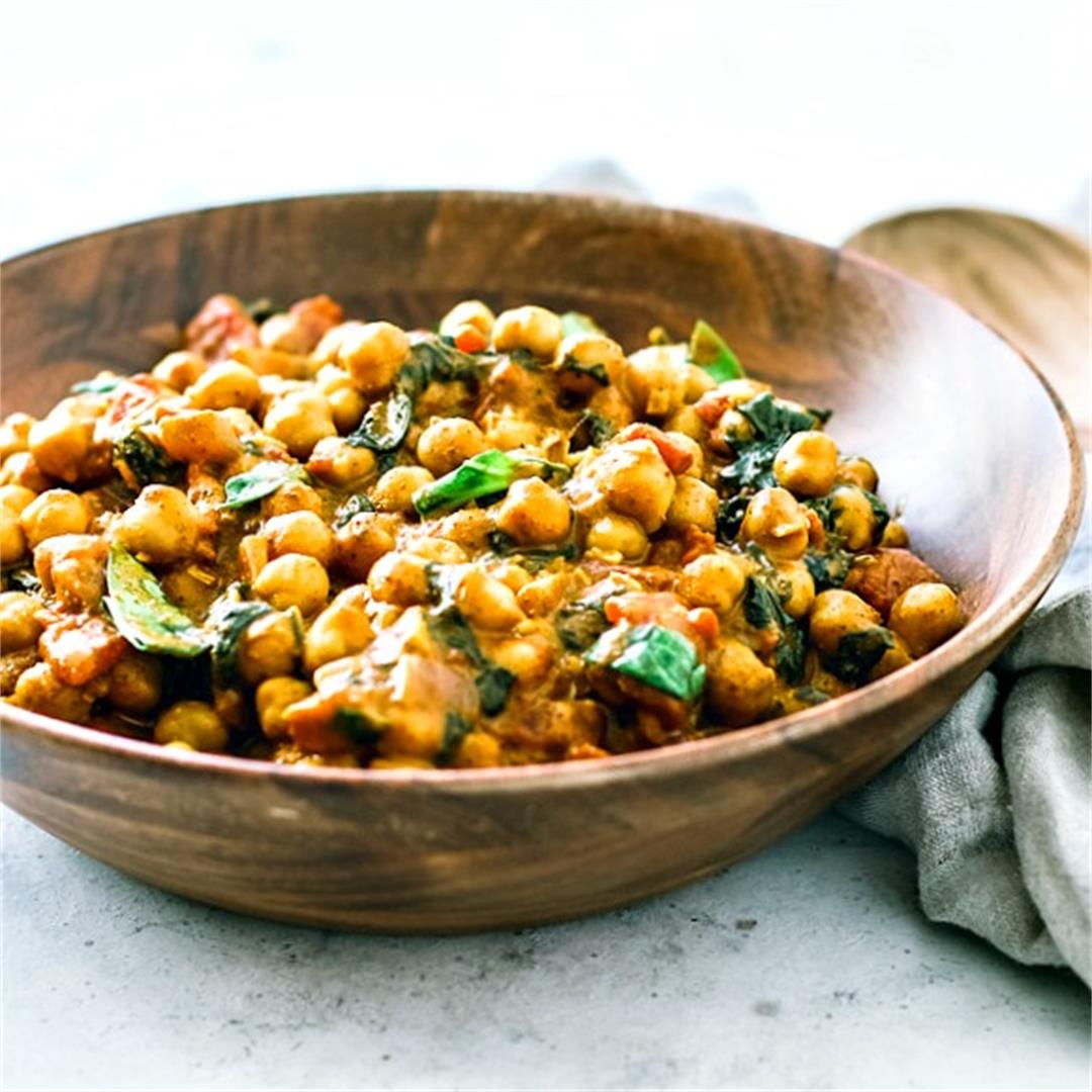 Vegetarian Chickpea Curry With Coconut Milk