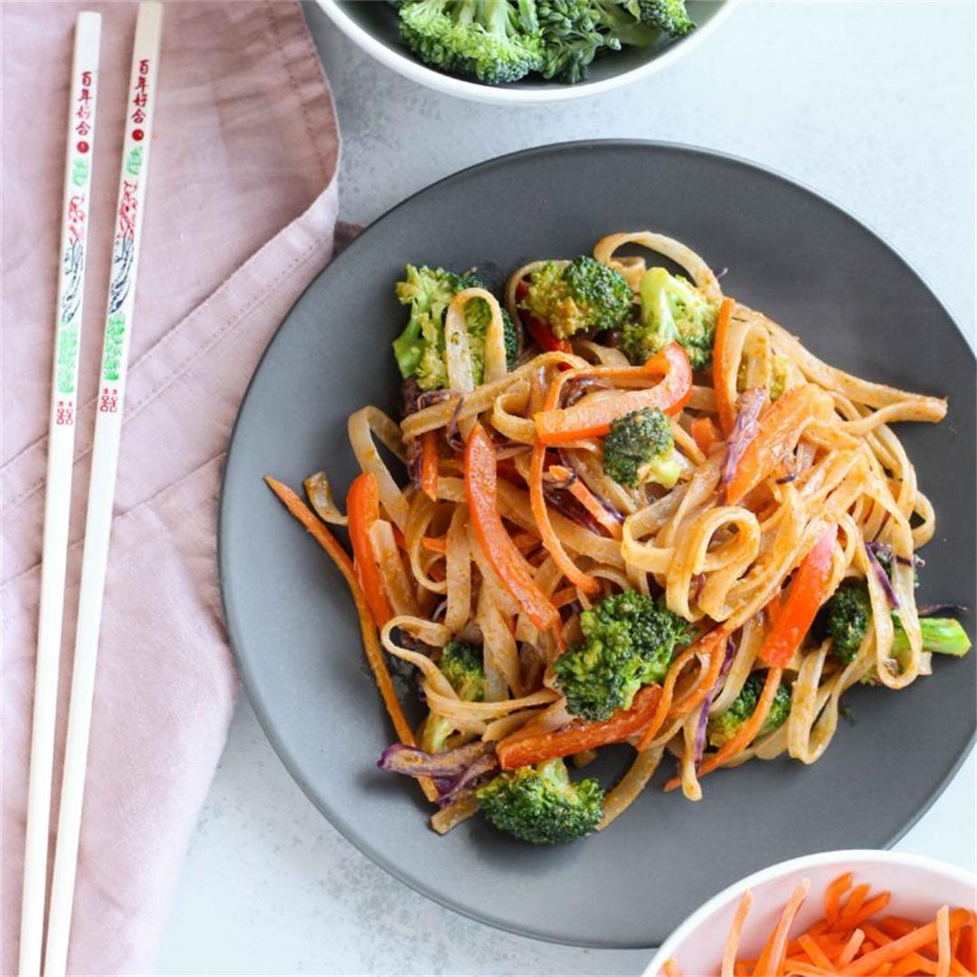 Easy Bangkok Curry Noodle Bowls
