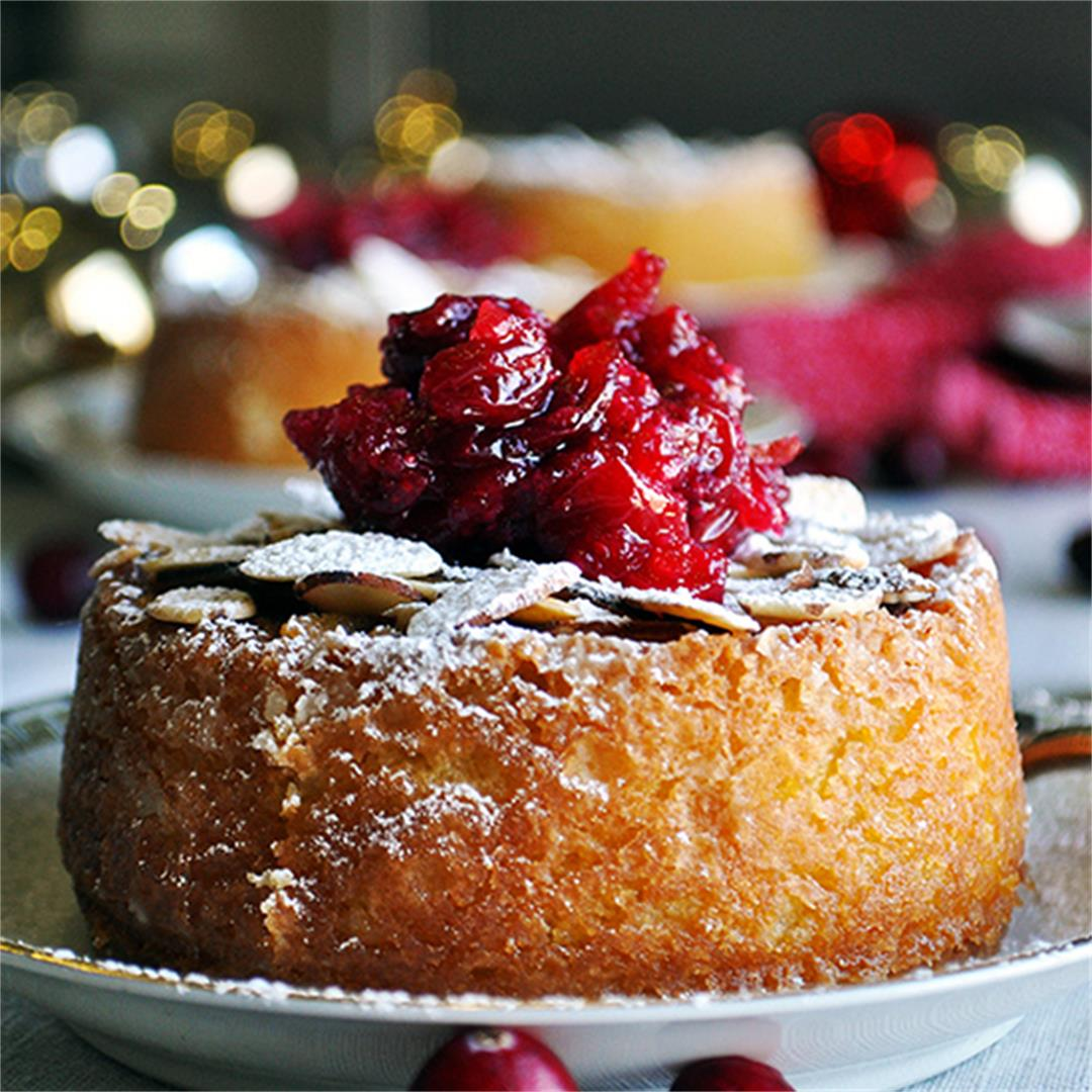 Mini Almond Cakes with Cranberry Sauce