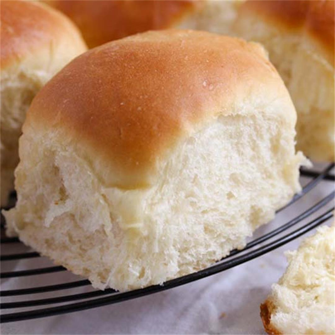 How to Make Dinner Rolls – Homemade Rolls with Yeast