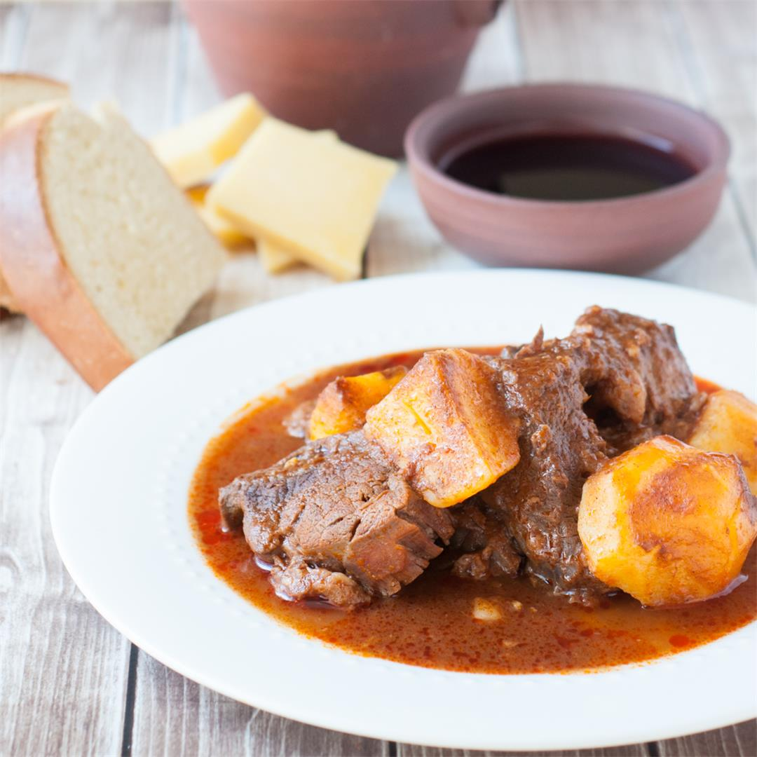 Azores Beef Stew with Potatoes (Molha de Carne)