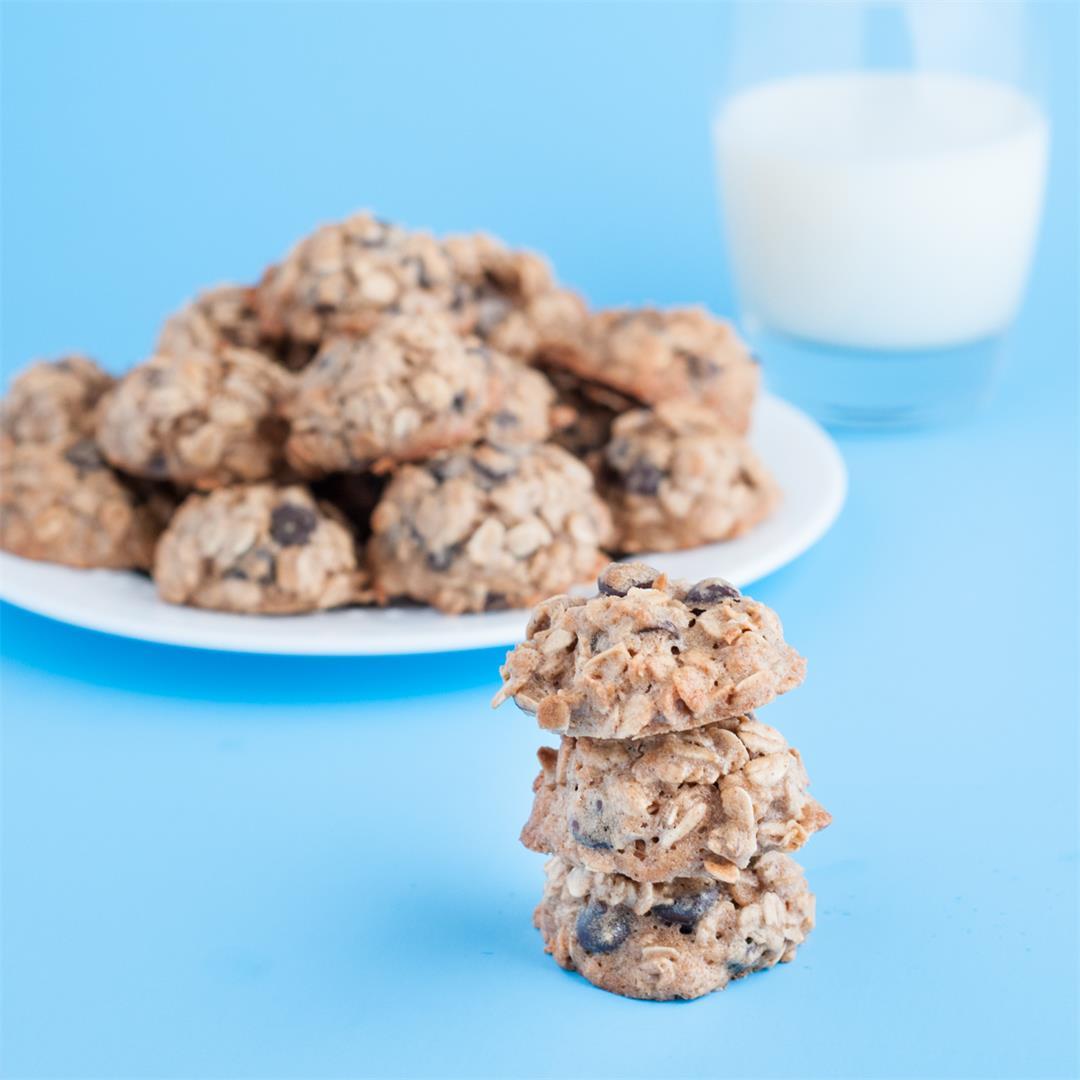 Maple Dark Chocolate Chip Oatmeal Cookies