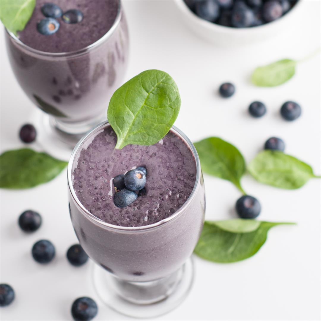 Pack-a-Punch Blueberry and Spinach Smoothie