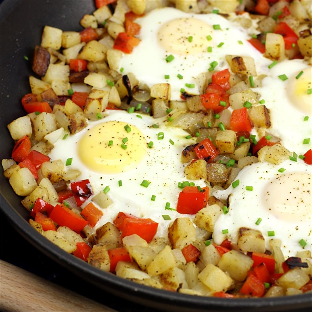 Hash Brown and Egg Breakfast Skillet