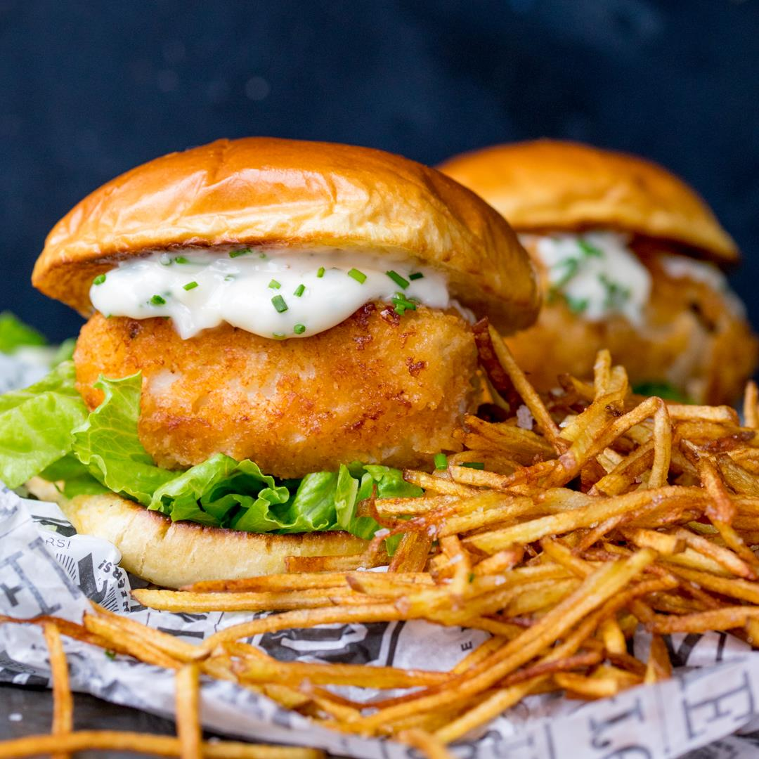 Fish burger with shoestring fries