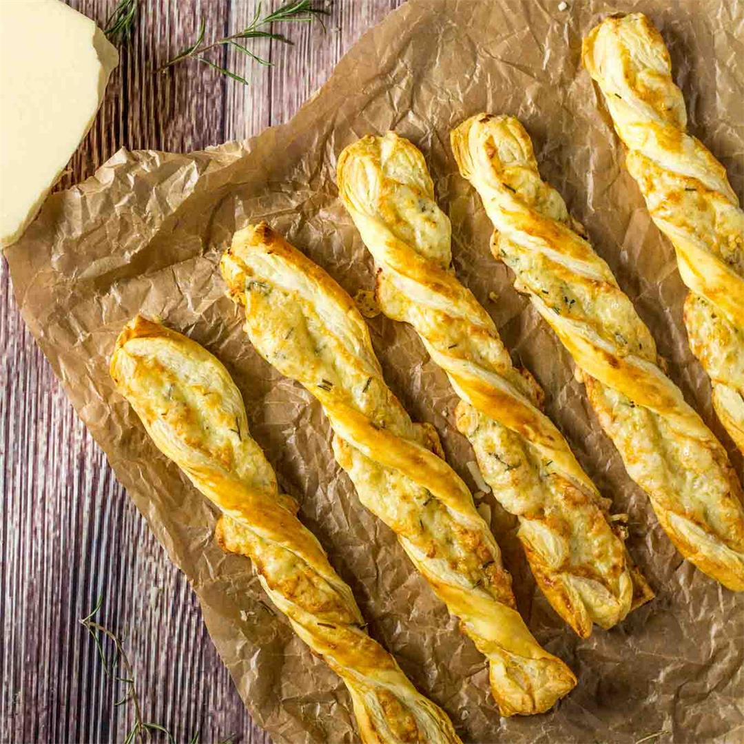 Cheese Straws with Rosemary and Puff Pastry