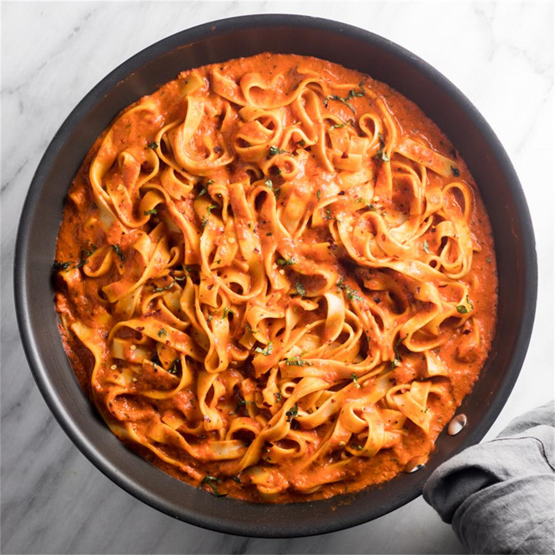 Low FODMAP Roasted Red Pepper Pasta