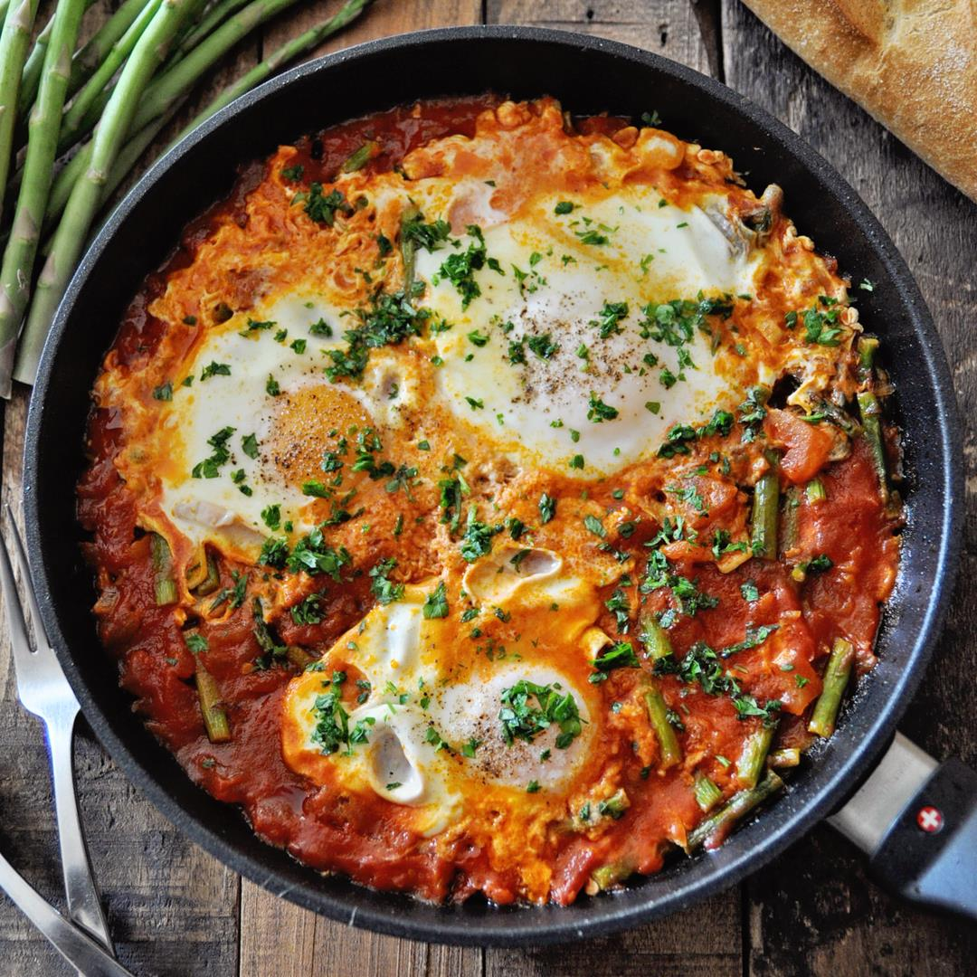 The Ultimate Spanish Eggs with Tomatoes & Asparagus