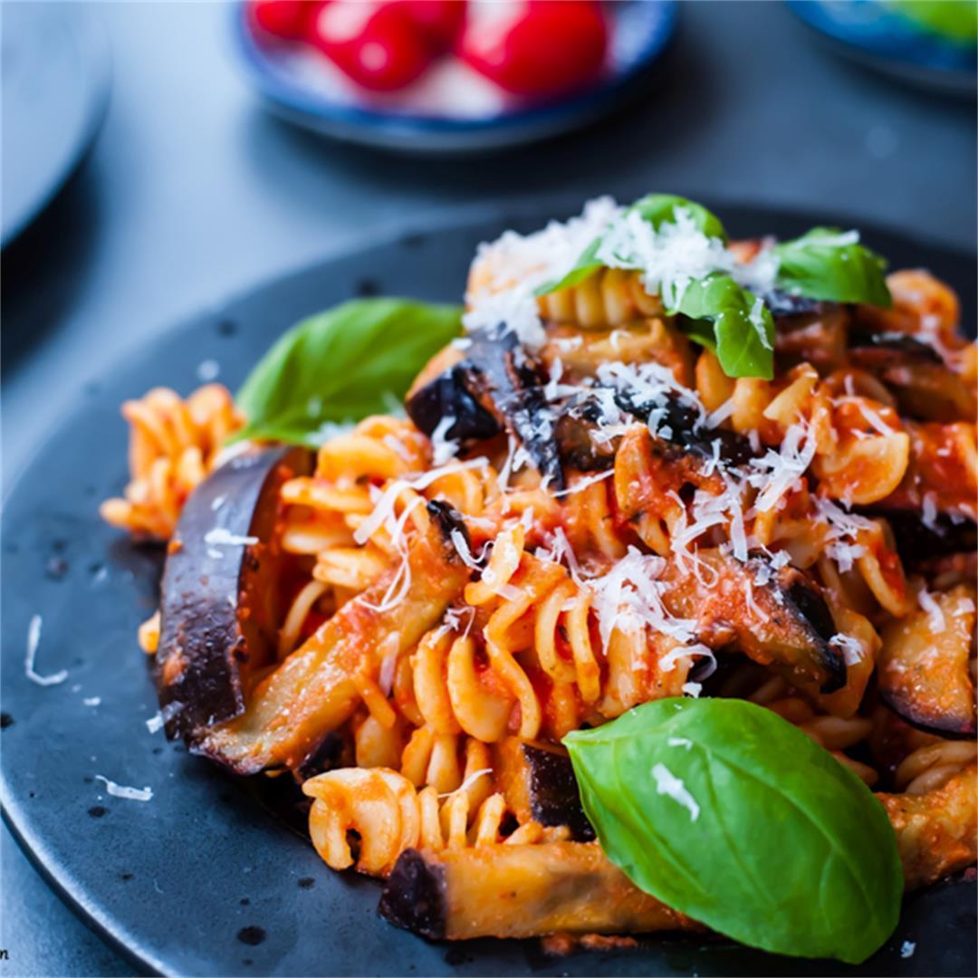 Pasta alla Norma – tomato and eggplant pasta recipe