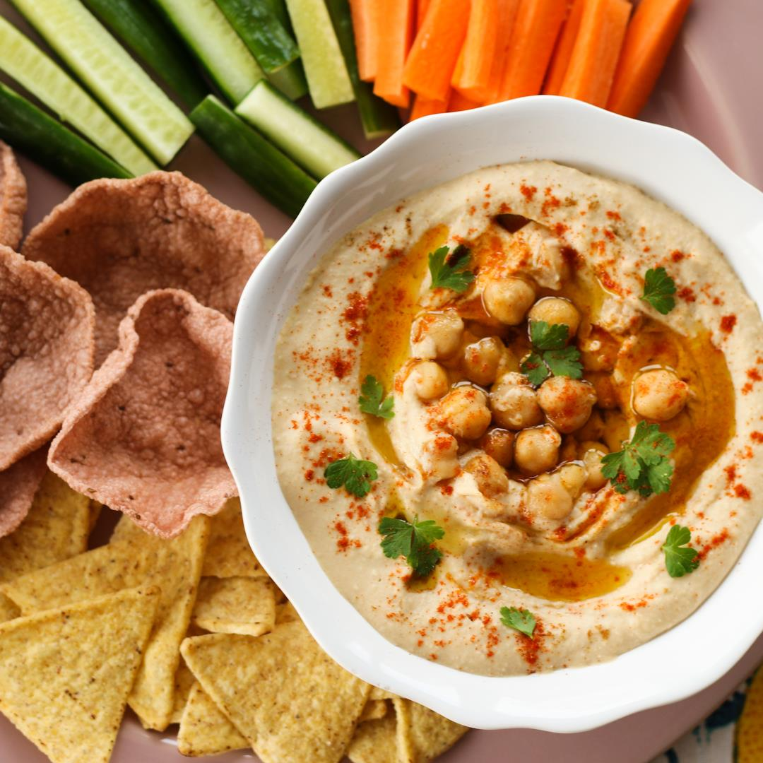 Authentic homemade hummus recipe from scratch