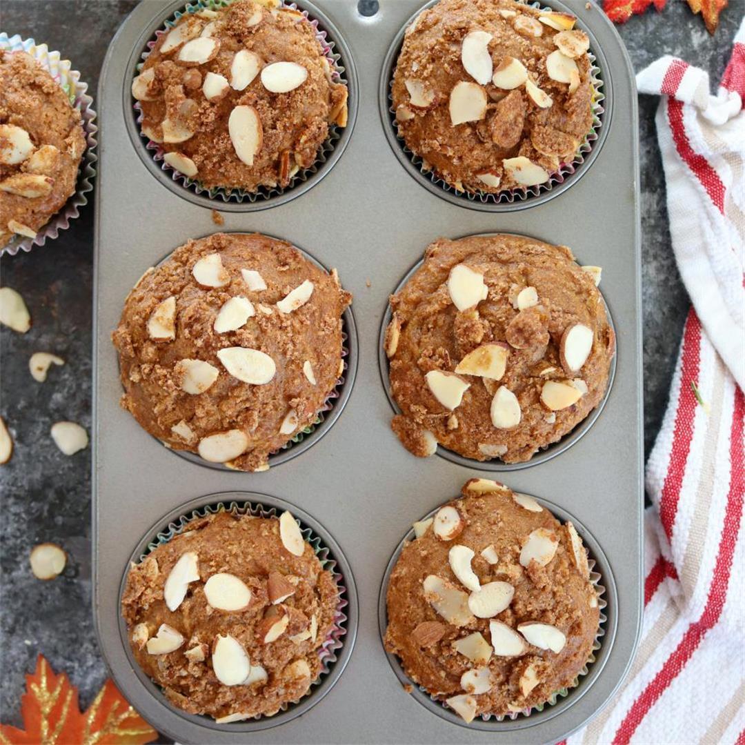 Apple Almond crumb muffins