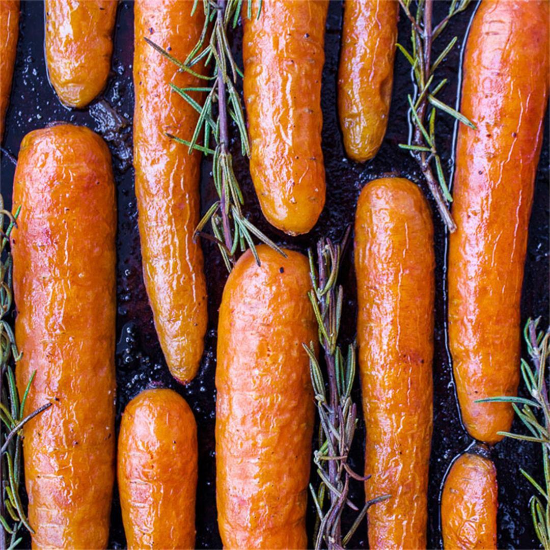 Roasted Maple Rosemary Carrots (vegan + gf)