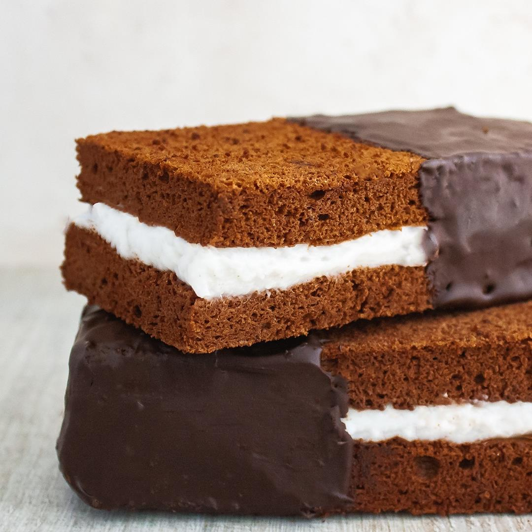 Easy Chocolate Coconut Cream Cake Bar