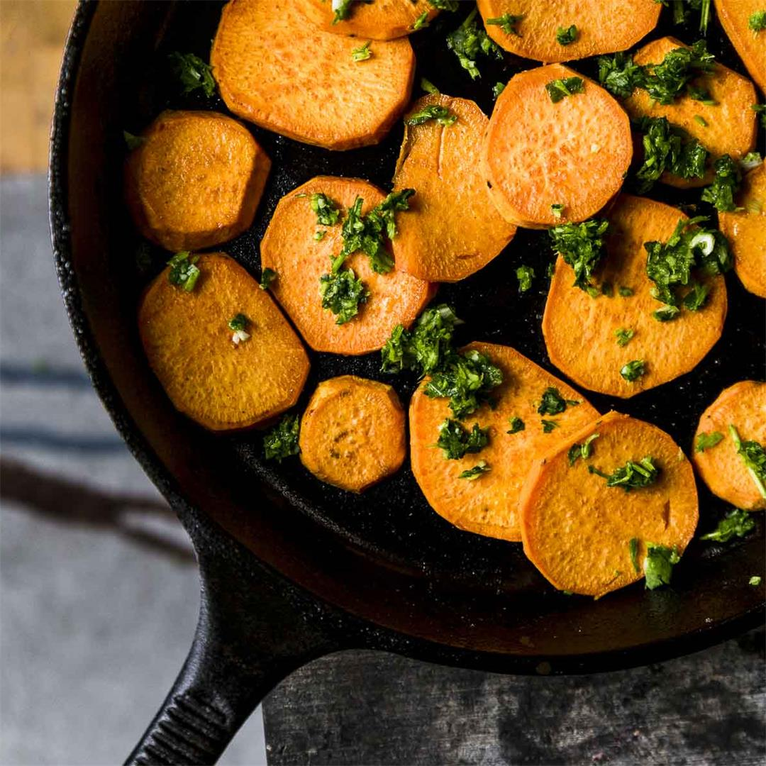 spicy sweet potatoes with cilantro sauce