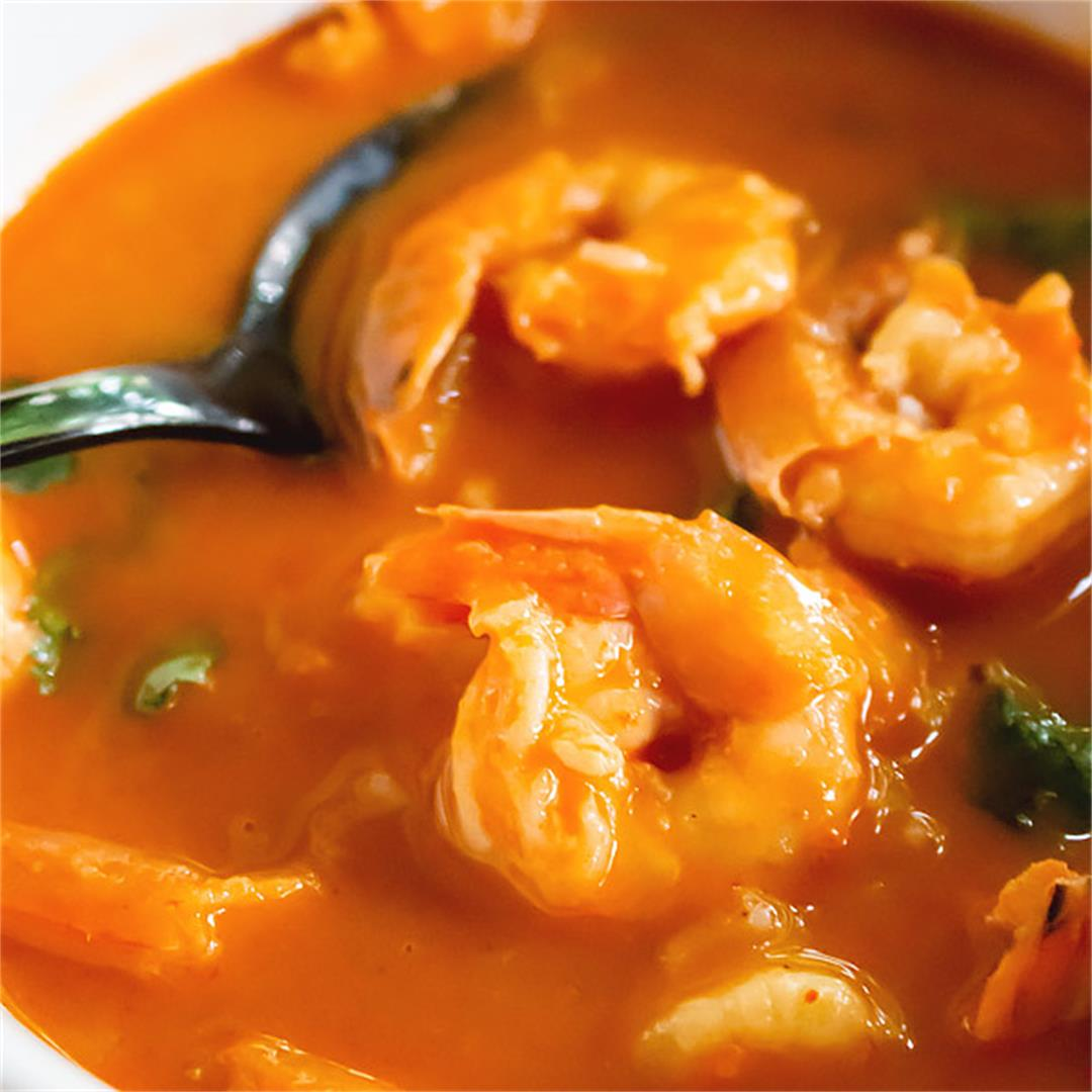 Fresh yummy thai shrimp curry goes great with steamed rice.