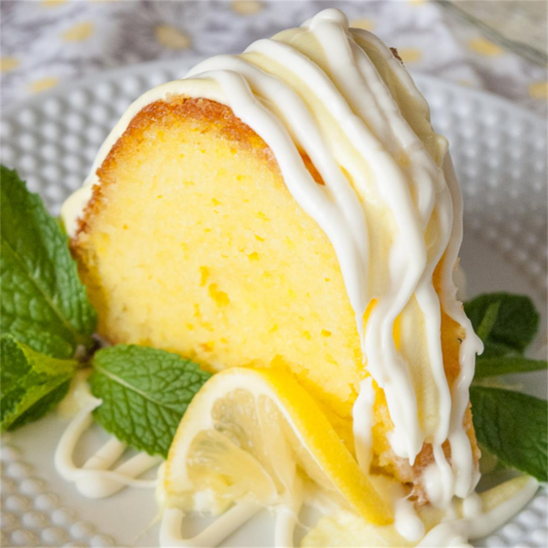 Easy Moist Lemon Bundt Cake