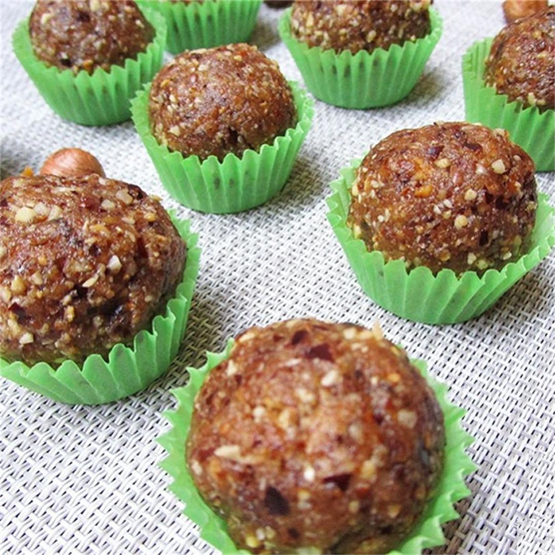 Vegan Hazelnut Sugar-Free Energy Balls