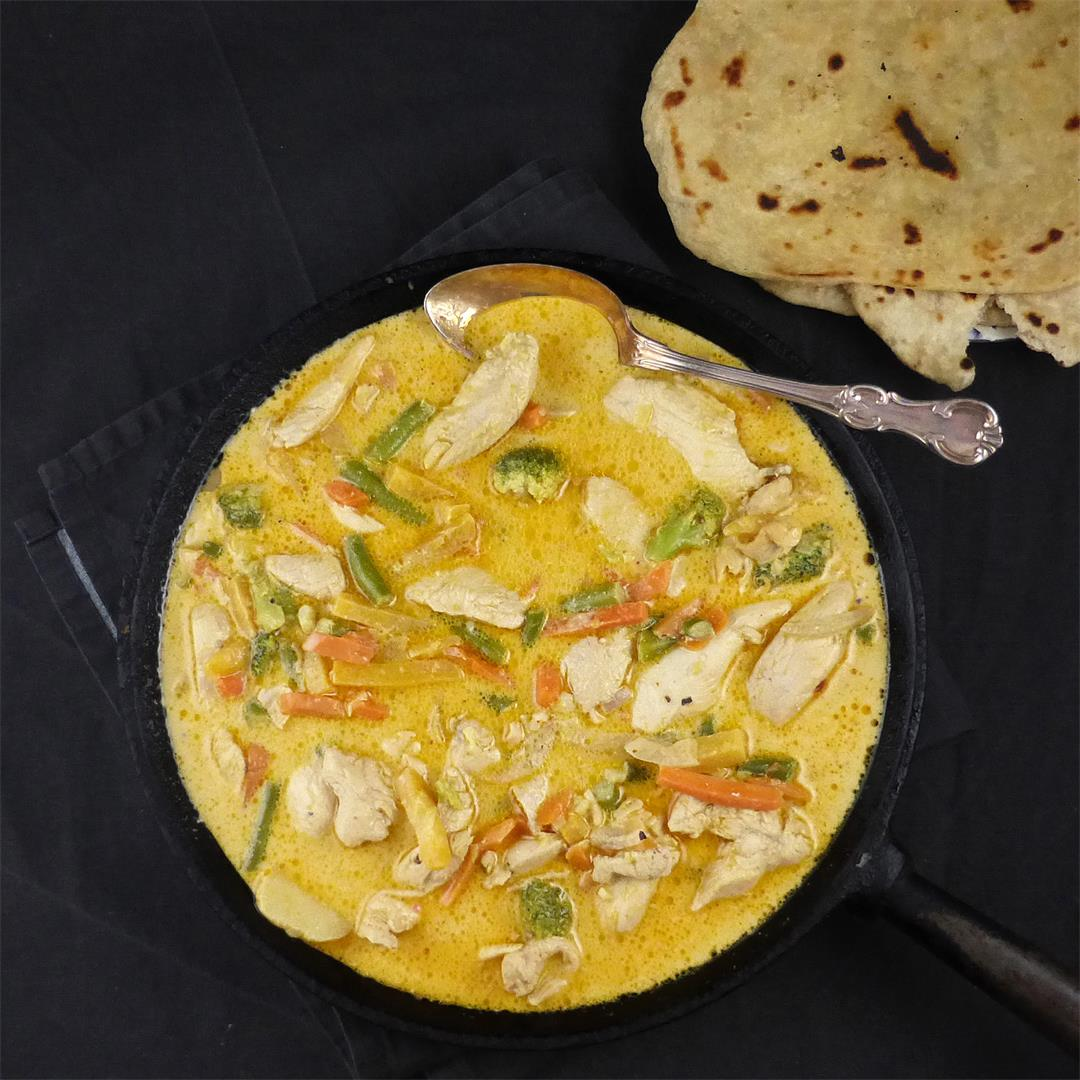 Garlic Coconut Chicken Curry