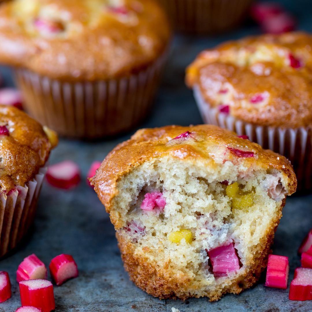 Rhubarb Marzipan Muffins