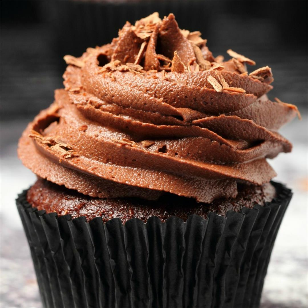 Classic Vegan Chocolate Cupcakes