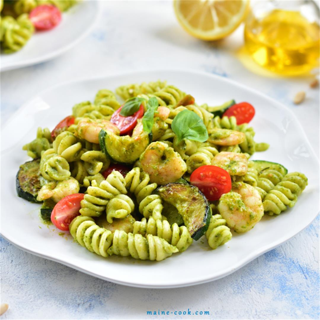 Shrimp, zucchini and basil pesto pasta
