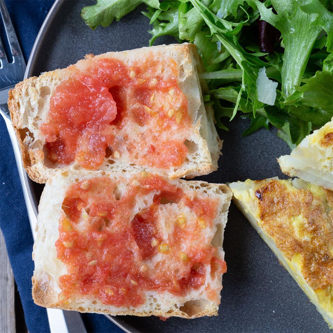 Pan con Tomate (Spanish Tomato Bread)