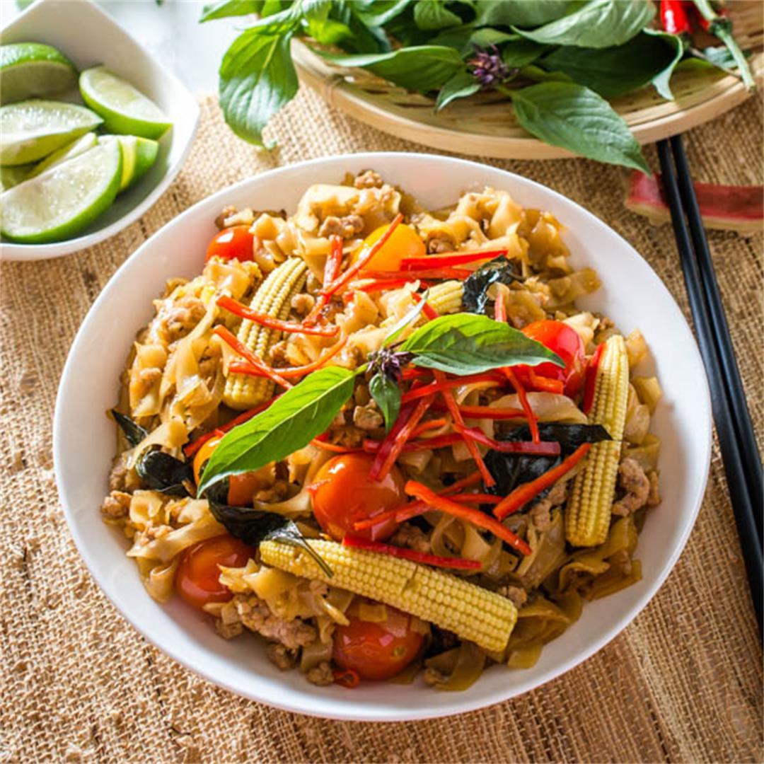 Pad Kee Mao (Thai Drunken Noodles)