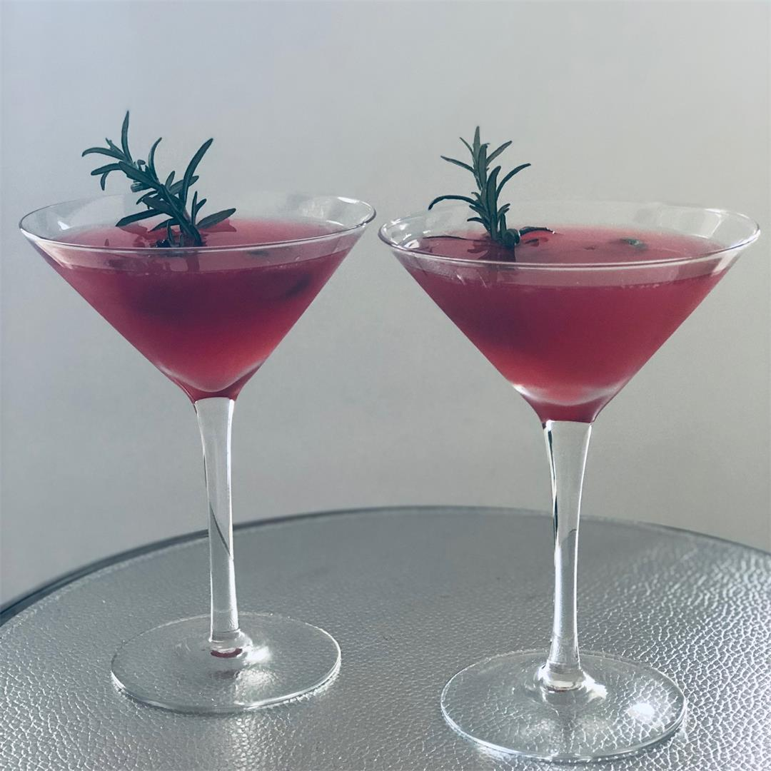 Christmas Cosmopolitan - a festive twist on a classic cocktail!