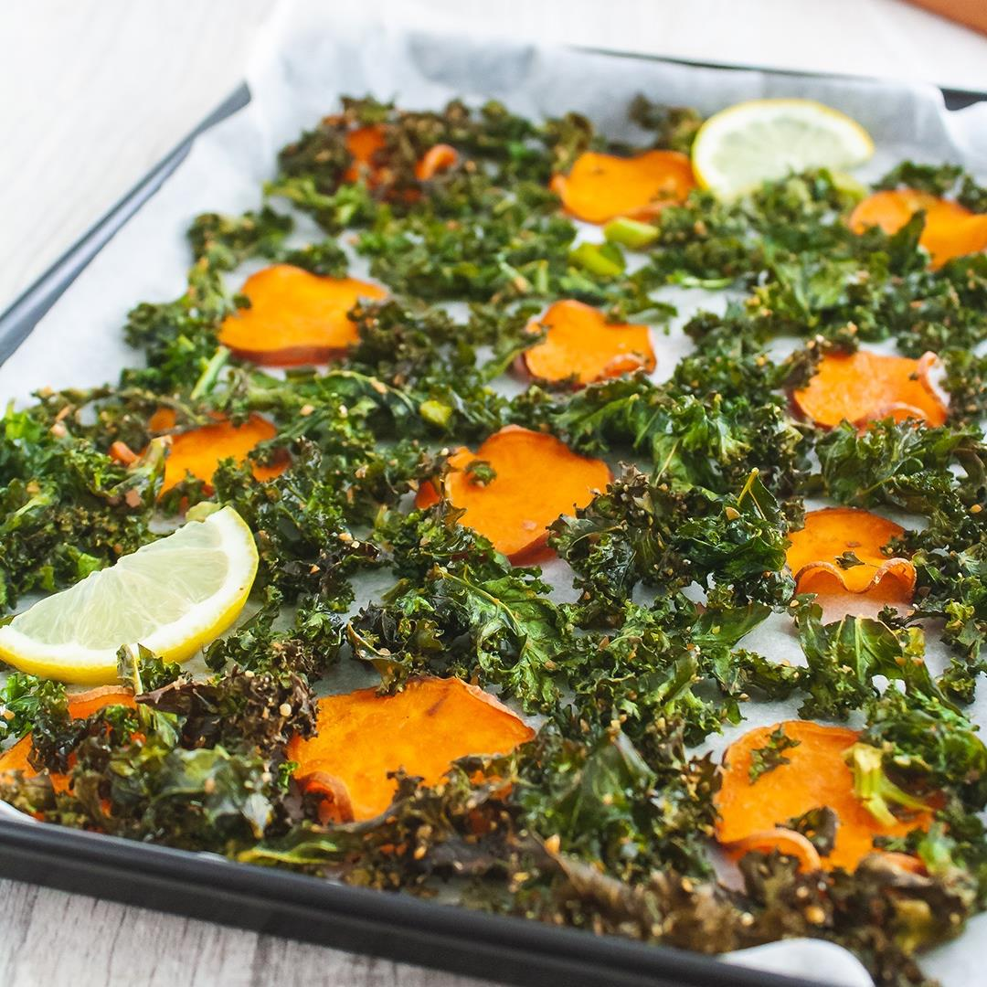Baked Sweet Potato Chips and Flaxseeds Kale Crisps