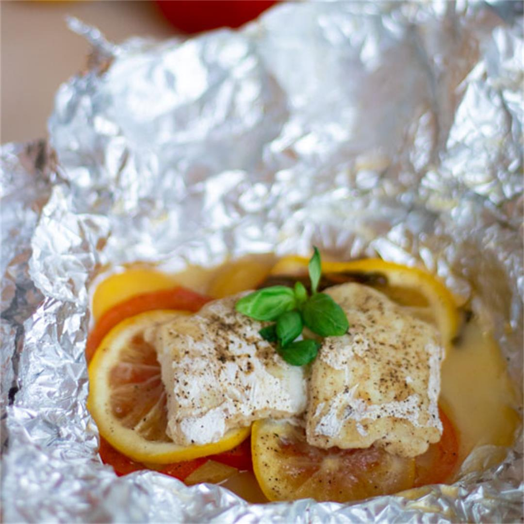 Foil Packet Cod with Tomatoes, Potatoes & Lemon