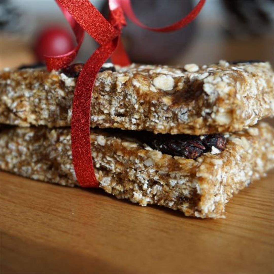 Healthy breakfast granola bars