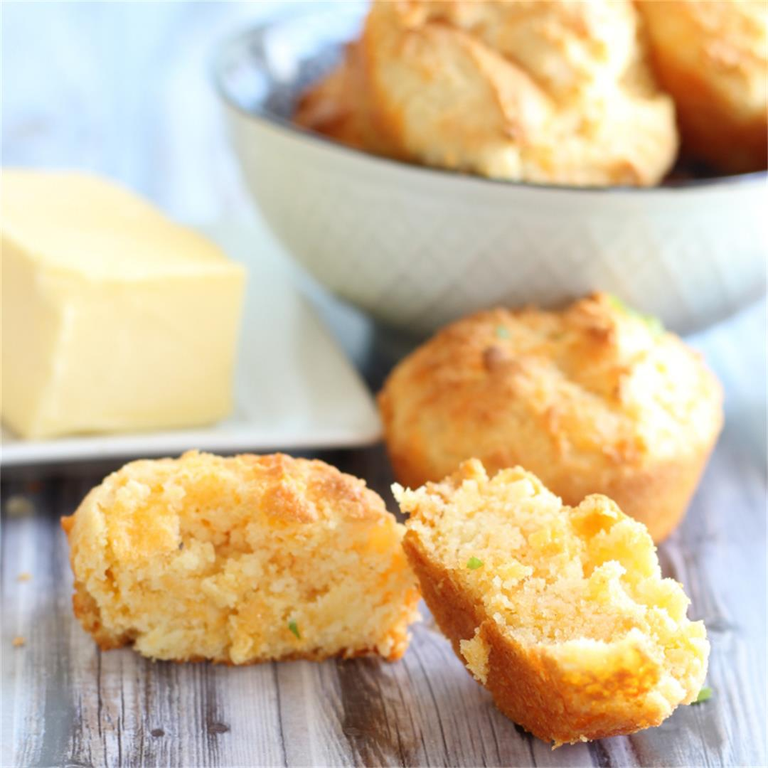 Fluffy Keto Garlic Cheddar Biscuits