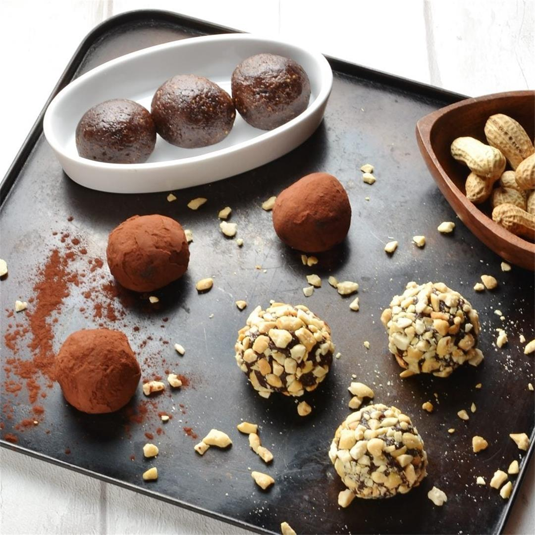 Chocolate Mocha Peanut Butter Energy Balls with Quinoa