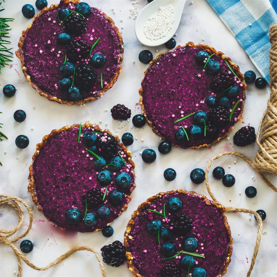 Blueberry And Blackberry Tarts (raw, vegan, and gluten-free)