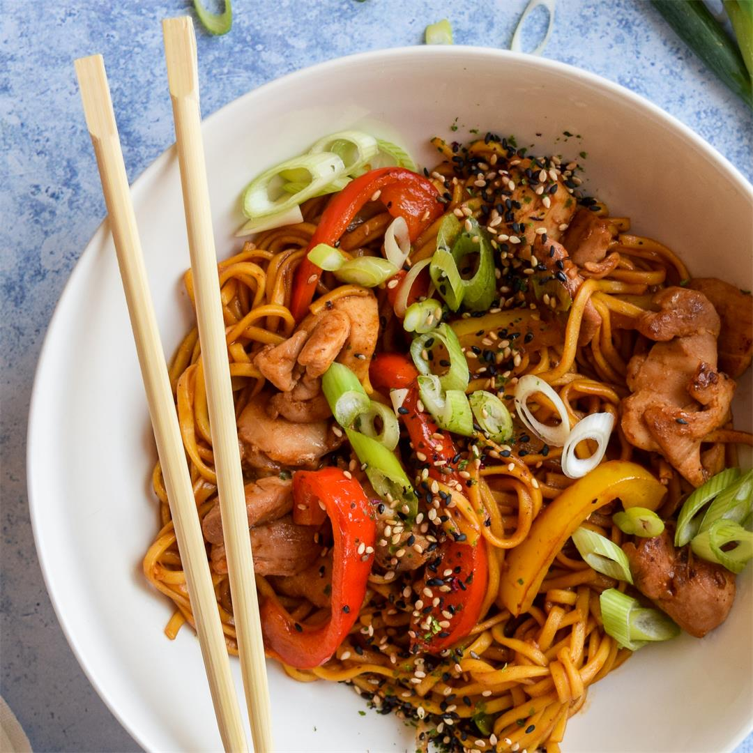 Weeknight Chinese Chicken Noodles