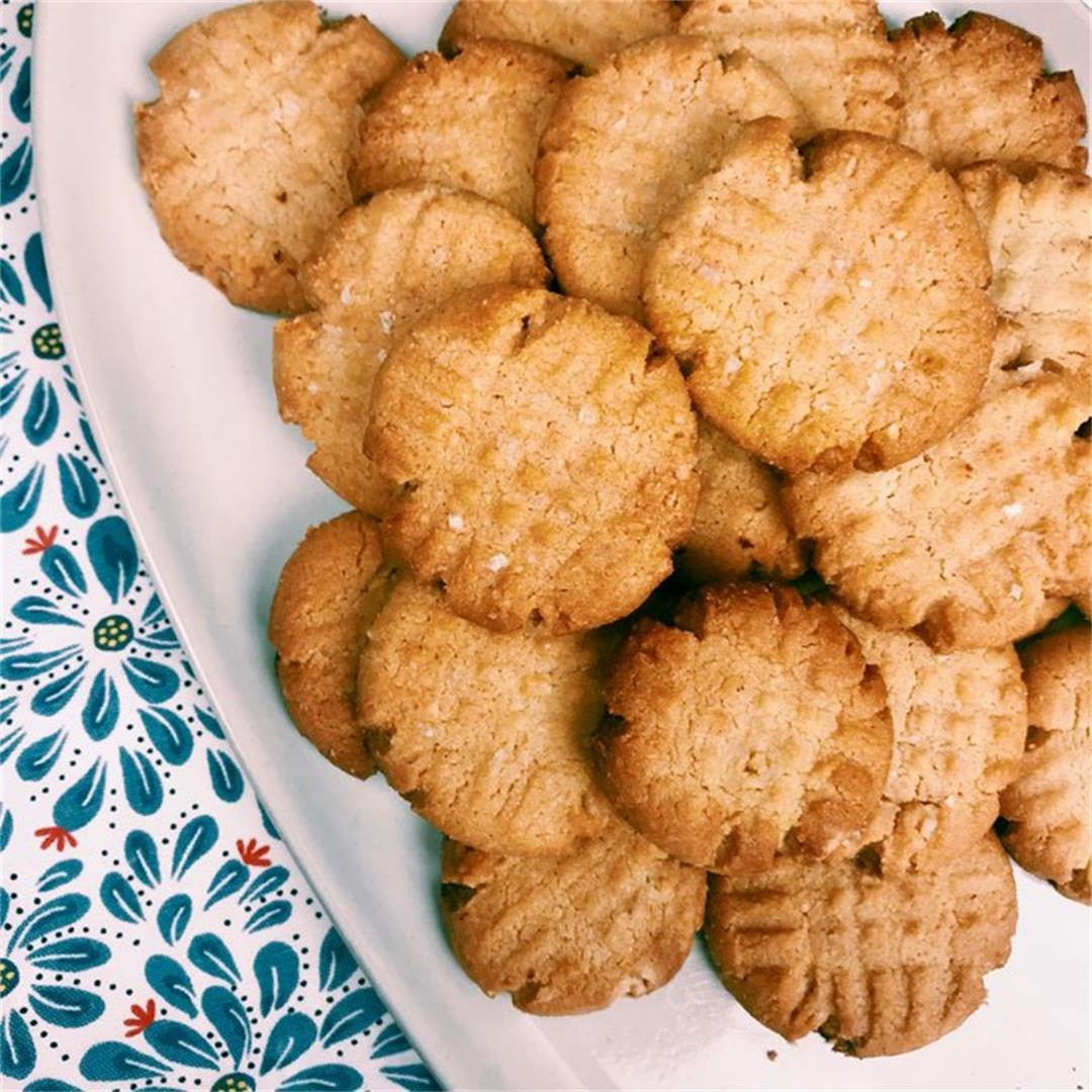 2-Bite Almond Peanut Butter Cookies