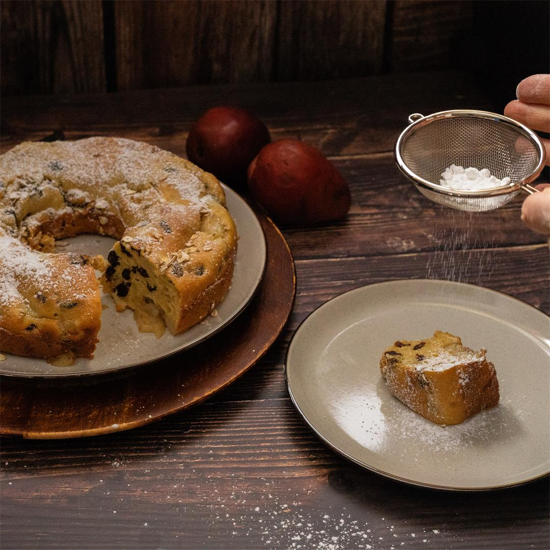 Pear and Raisin Bundt Cake